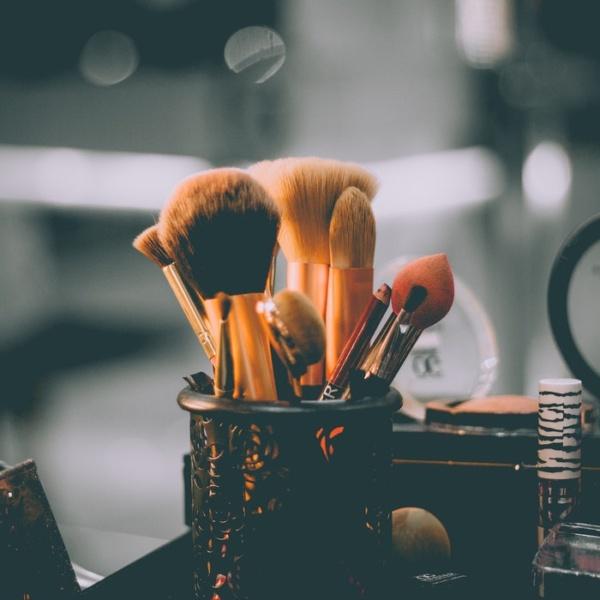 Perfect make-up with Corina ApresMidi