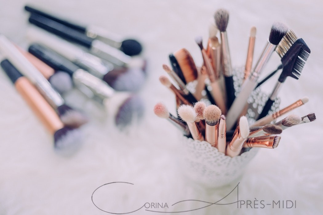 Seeking the perfect makeup with Corina ApresMidi