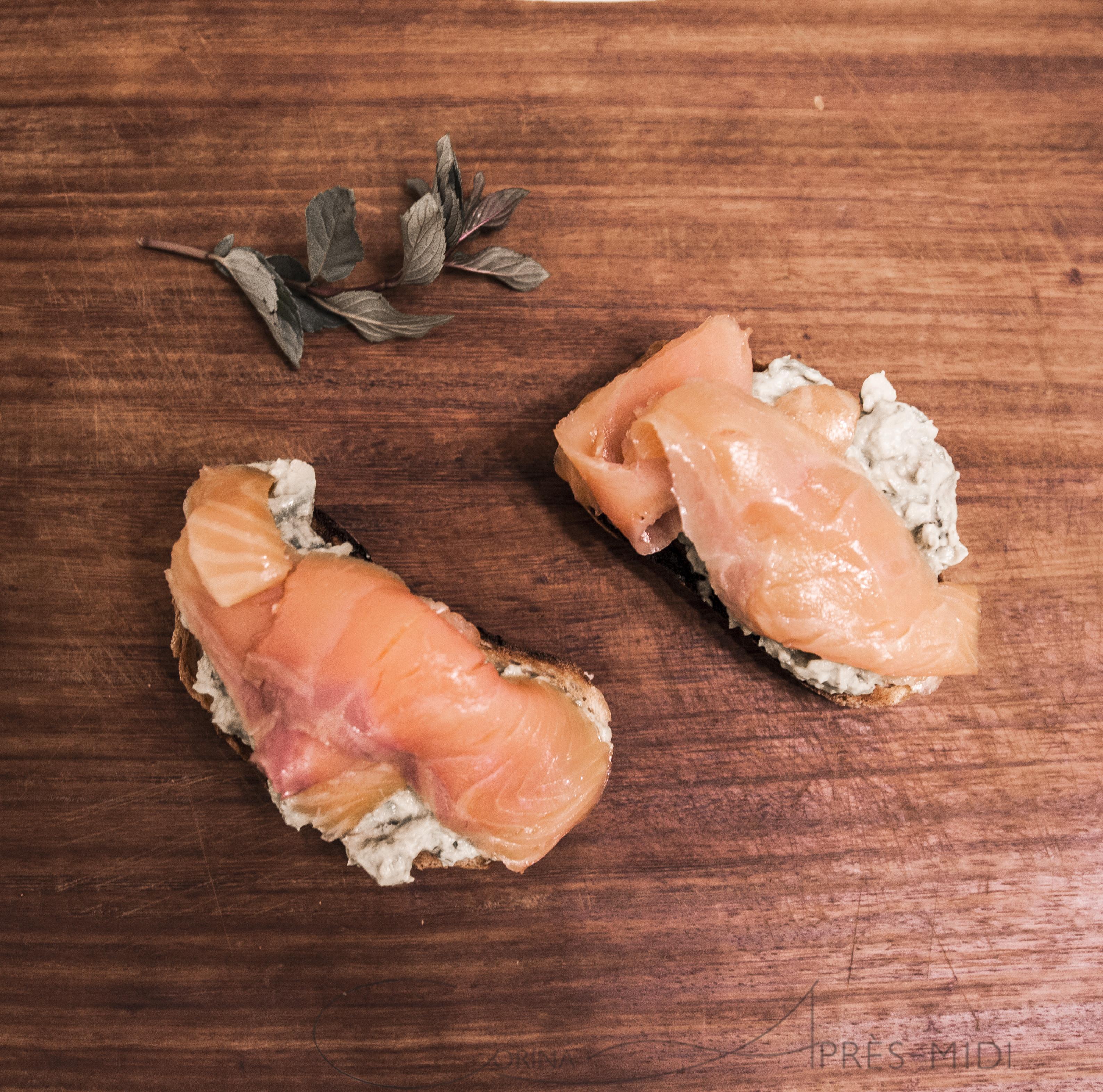 Тосты из авокадо и копченного лосося c Corina ApresMidi